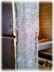 Использование уплотнителя при установке дверей. Фото