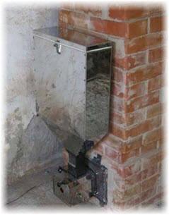 Бункер для пеллет на печи в бане