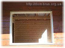 Примерка оконной коробки перед монтажом. Фото