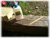 Как отрмонтировать отколовшийся замок венца сруба из бруса. Фото