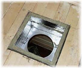 Разделка потолка дл труб в бане