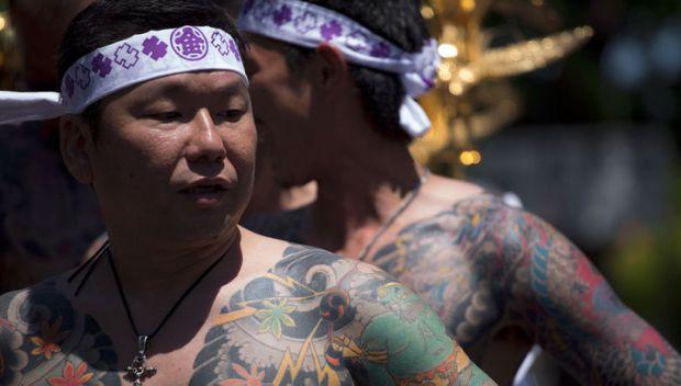 Можно ли ходить в баню с татуировкой?